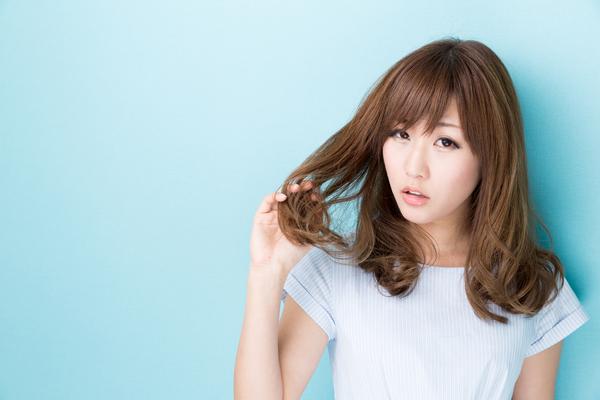 髪の毛の艶を無くしてしまう2つの行動とは?その対処法を解説